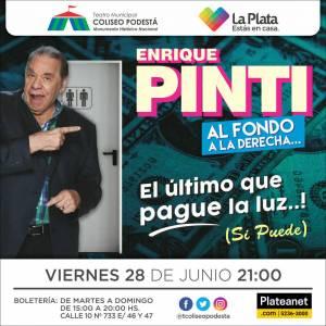 Enrique Pinti. Al fondo a la derecha